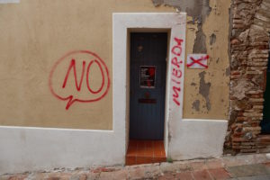 Anti-independence_graffiti_in_Badalona
